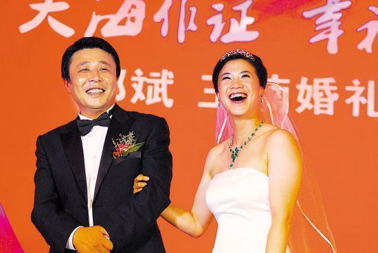 【精彩】原创乒乓冠军王楠嫁给亿万土豪,单日收入10亿,带粉丝年赚500万
