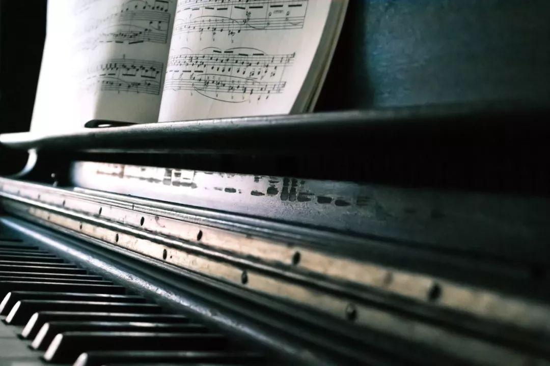 2018年钢琴排行榜_济南钢琴培训 小班 费用 格莱美乐器