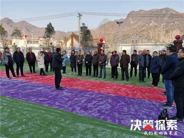西峡县军马河镇:开展年度逐村观摩,助推打赢脱贫攻坚