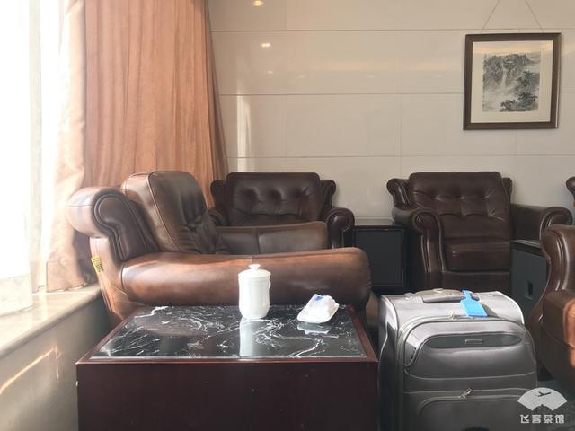 打卡南航北京到深圳优等舱,机龄12年的A330保养不错,飞机餐真喷鼻