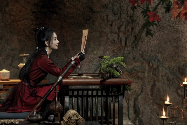 《有翡》发布新剧照,赵丽颖和王一博的cp感挺让人意外
