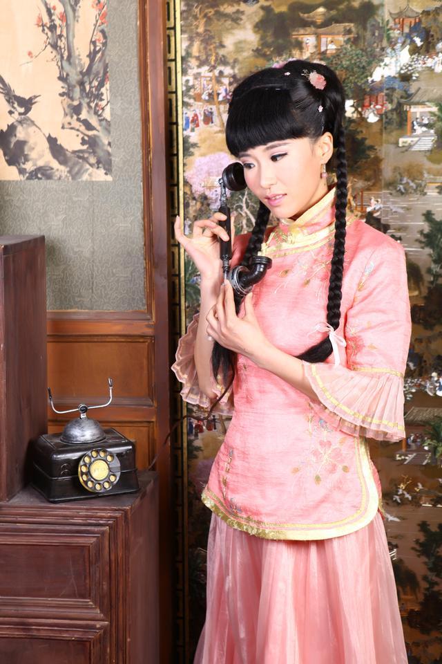 <b>演员黄彩,斜杠青年的别样姿态</b>