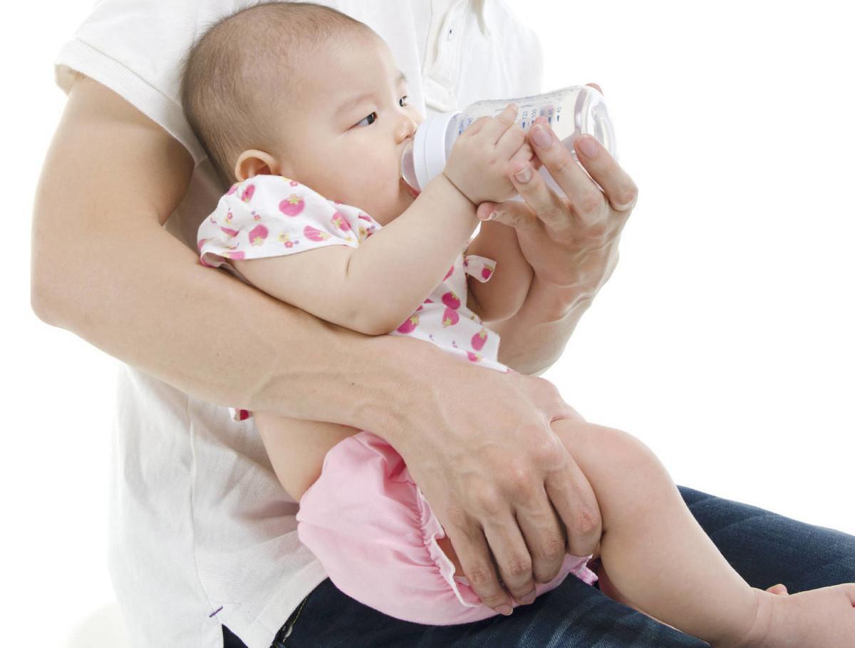 男女野战视频感冒不能喂母乳?医生:坚持母乳喂养,日本裸体人体艺术才更健康