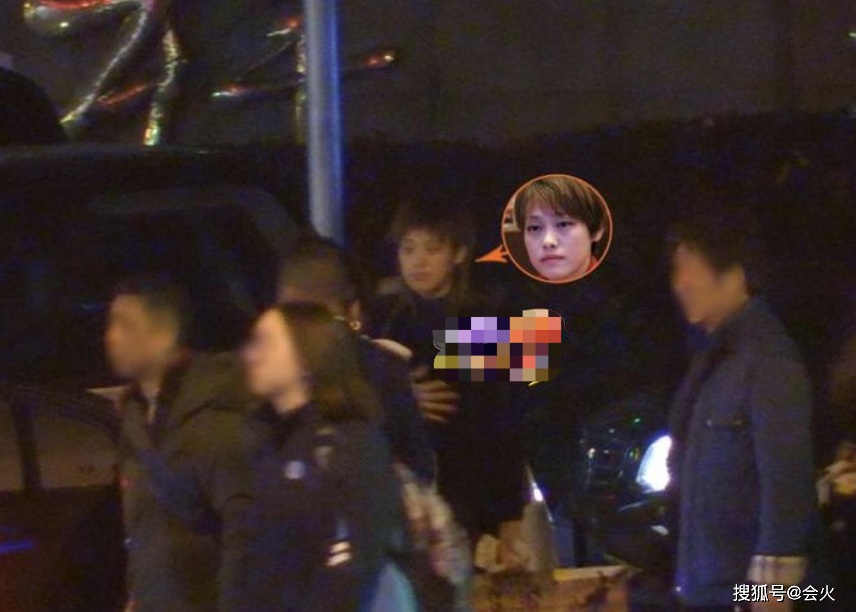刘翔退役后生活悠闲,却开新款200万豪车!35岁妻子吴莎私下很朴实