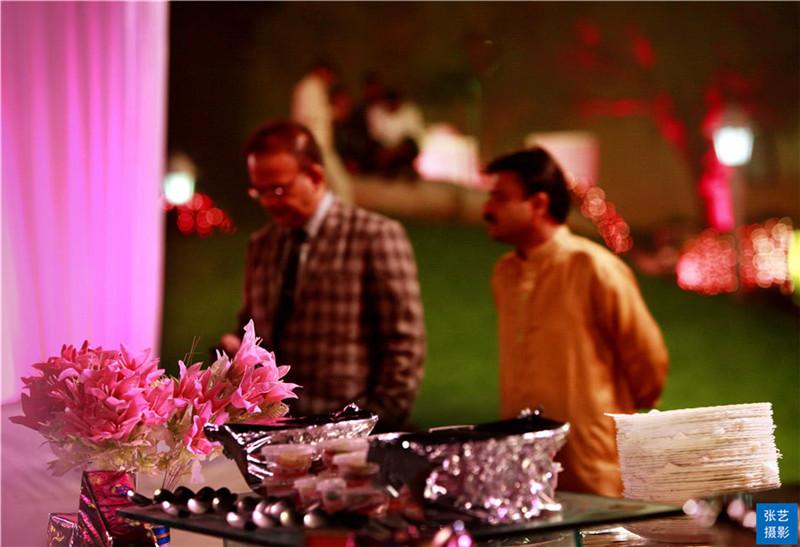 目睹印度上等人奢华婚宴:嫁妆和婚宴就让娘家人倾家荡产_女方