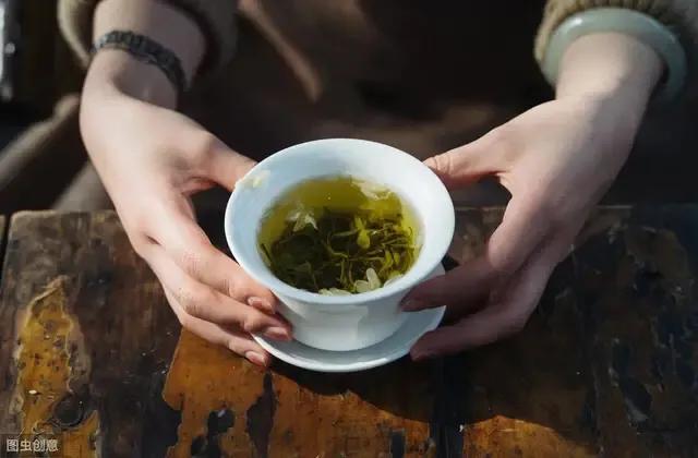 原创长期喝茶的人和不喝茶的人,谁身体更健康?听听医学专家怎么说