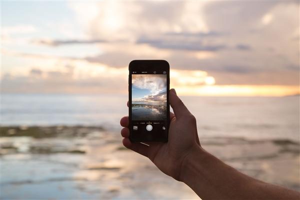 """2009年的手机、显卡、电脑、汽车啥样?科技圈""""十年挑战""""感受下"""