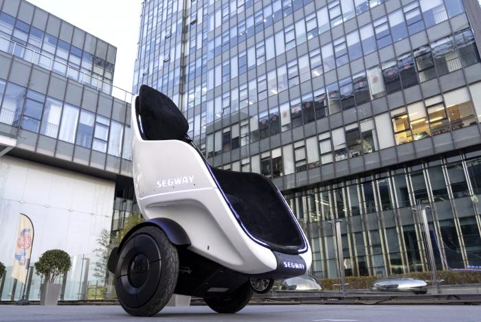 赛格威Segway最新自动平衡车采用蛋形轮椅设计