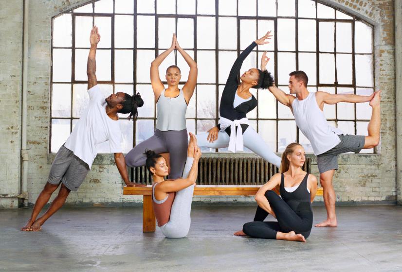 Nike推瑜伽系列服饰,对标lululemon