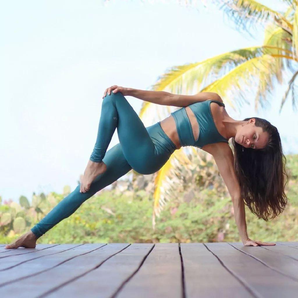 一套扭转&平衡的瑜伽序列,排毒减肥很有效!