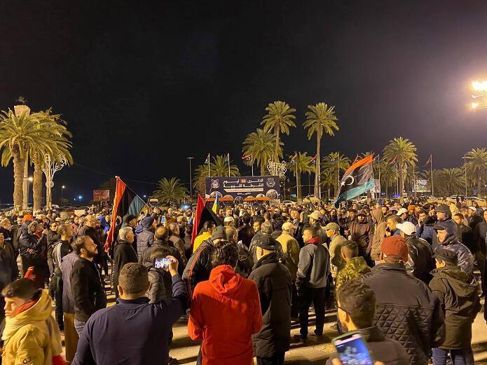 会计考试试题利比亚首都频遭空袭 民众愤怒示威抗议