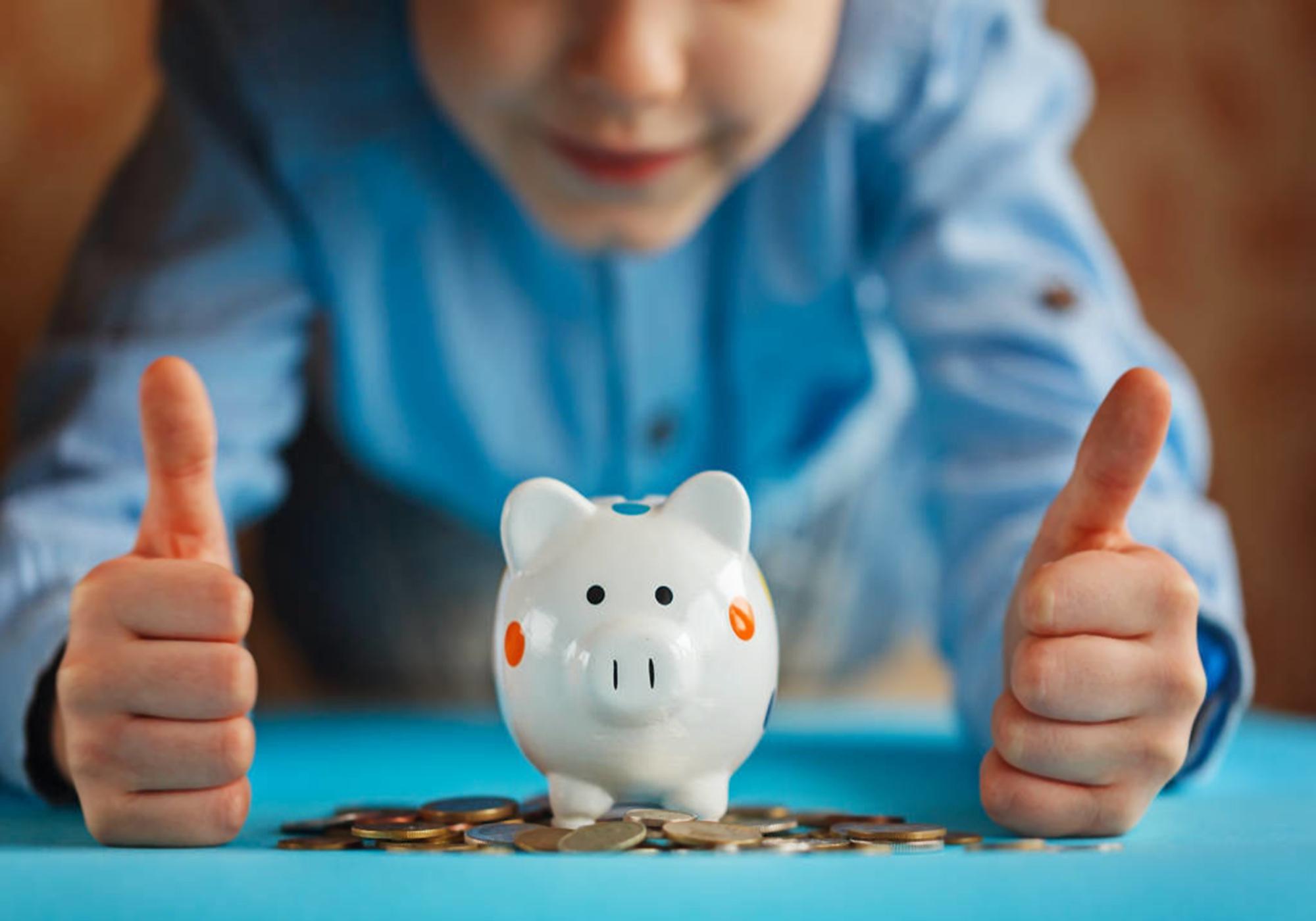 """""""爸爸一礼拜赚几千万"""",孩子""""吹牛""""的背后,是财商缺失的可怕"""