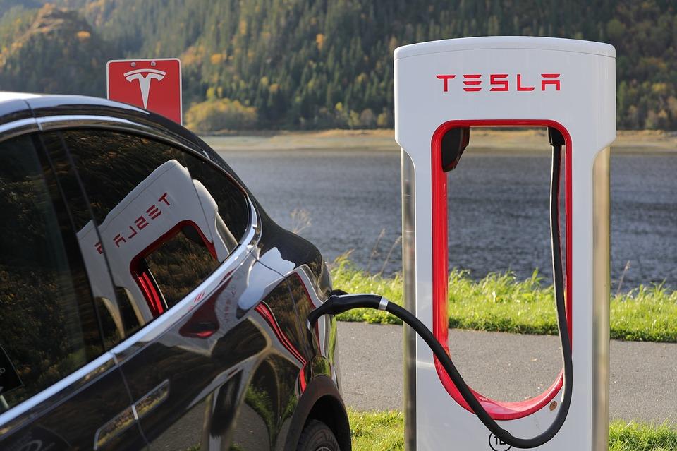 价格下调销量超预期,特斯拉带领下新能源汽车的春天要来了吗?_搜狐汽车_搜狐网