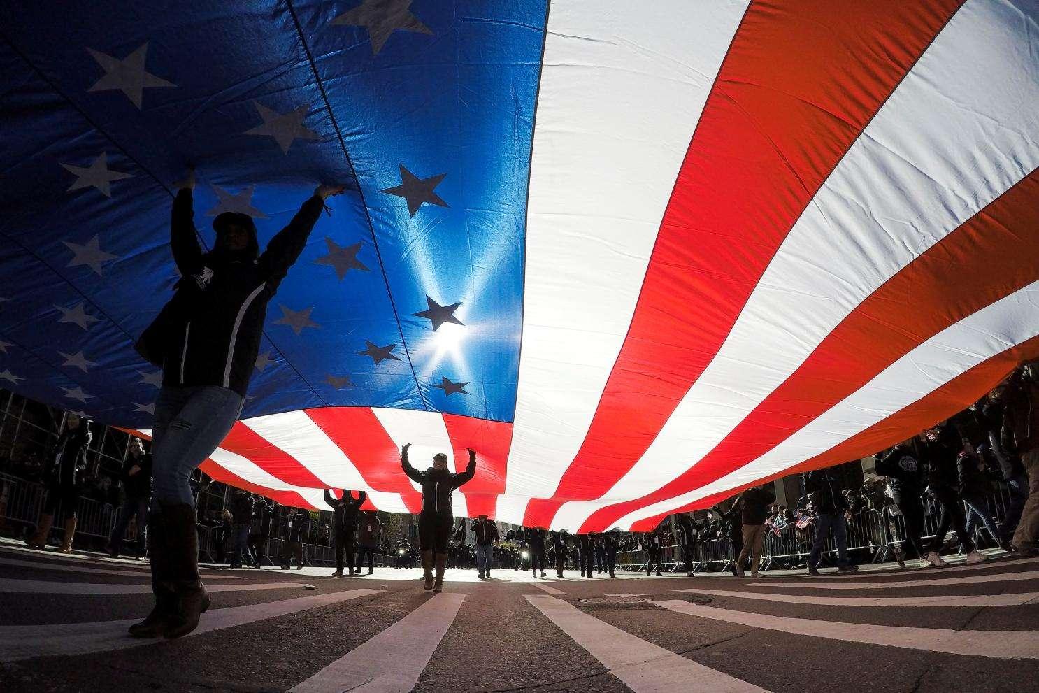 """美国gdp构成_摩根大通:美国zf债务、货币和财政刺激措施构成的""""通胀炸弹""""最..."""