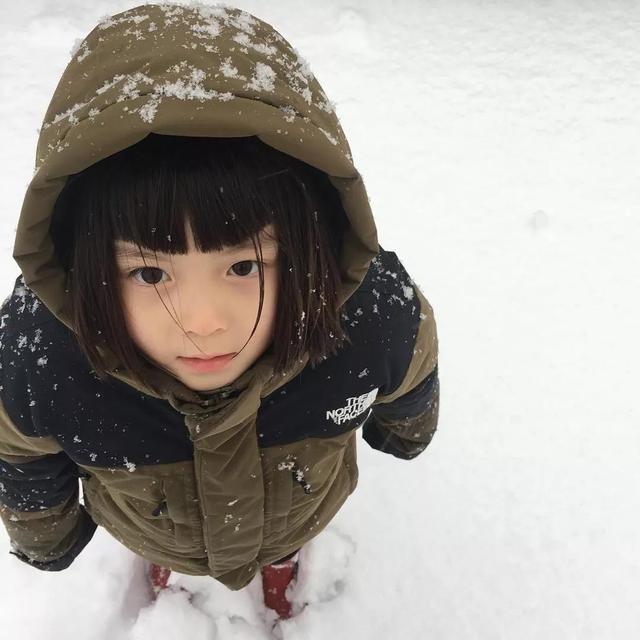 刷爆日本的小萝莉,酷起来就没男孩的事了,连老阿姨都撩得动!