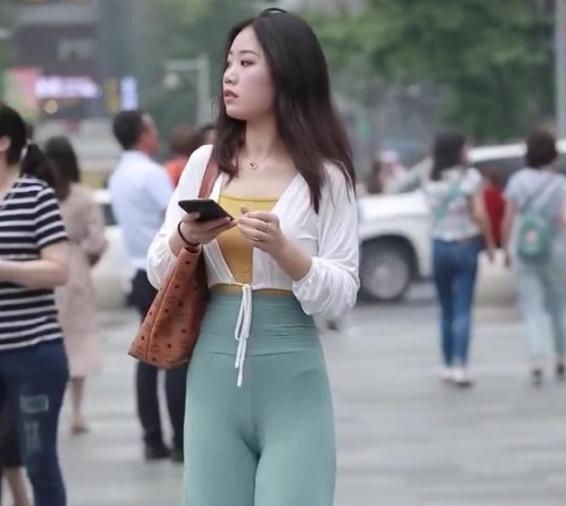 深田咏美GIF剧情图解②-喜欢穿丝袜的骚秘书谁都想干