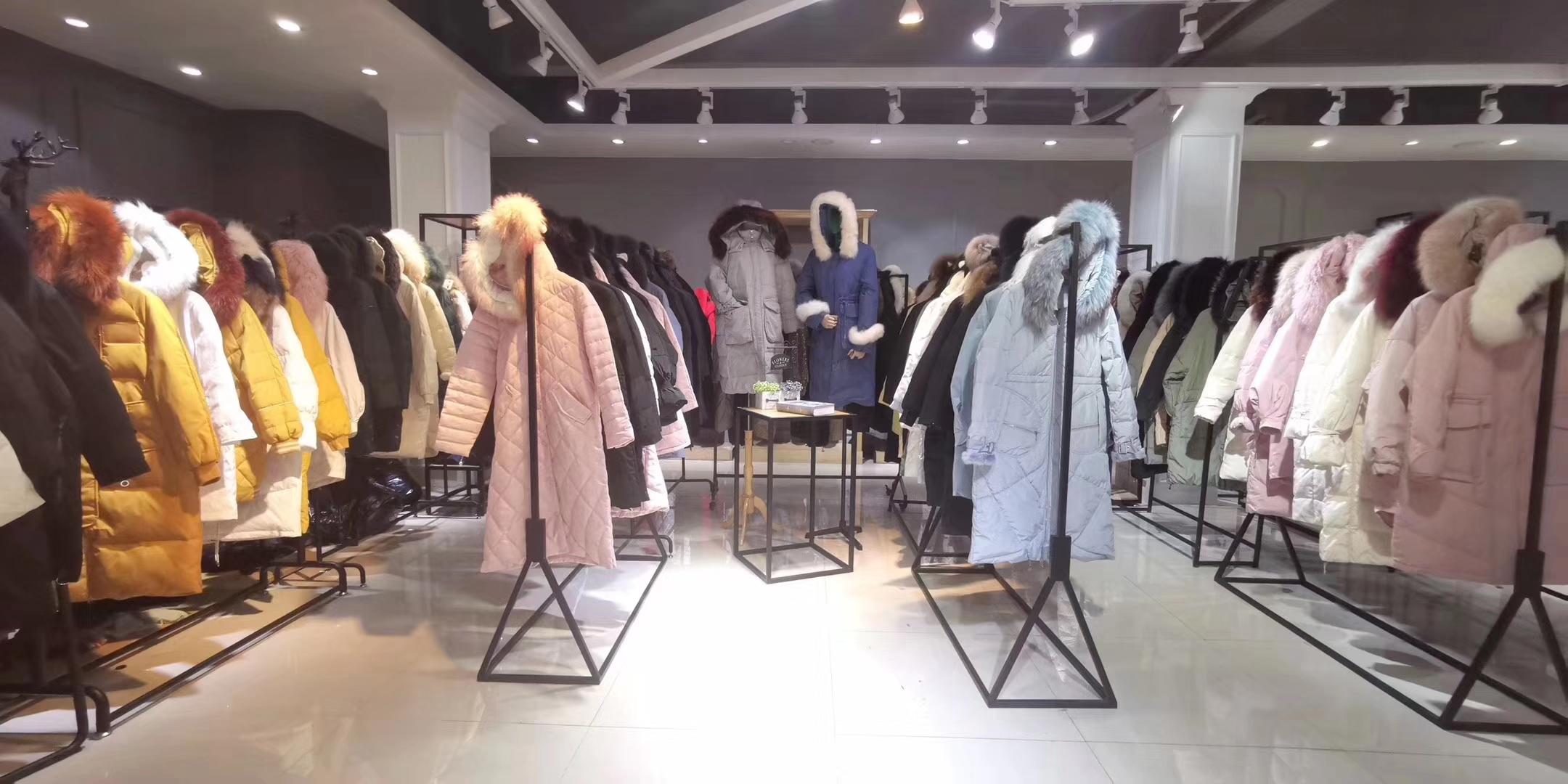推荐:服装人必收藏的时尚折扣女装批发进货攻略