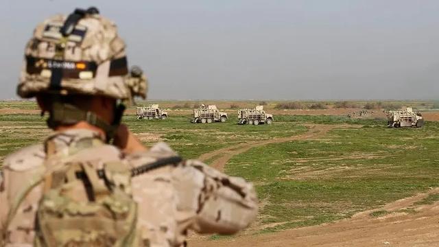 比狠!伊朗叫板特朗普:打美军300个基地!美议员: 大战一触即发_苏莱曼尼
