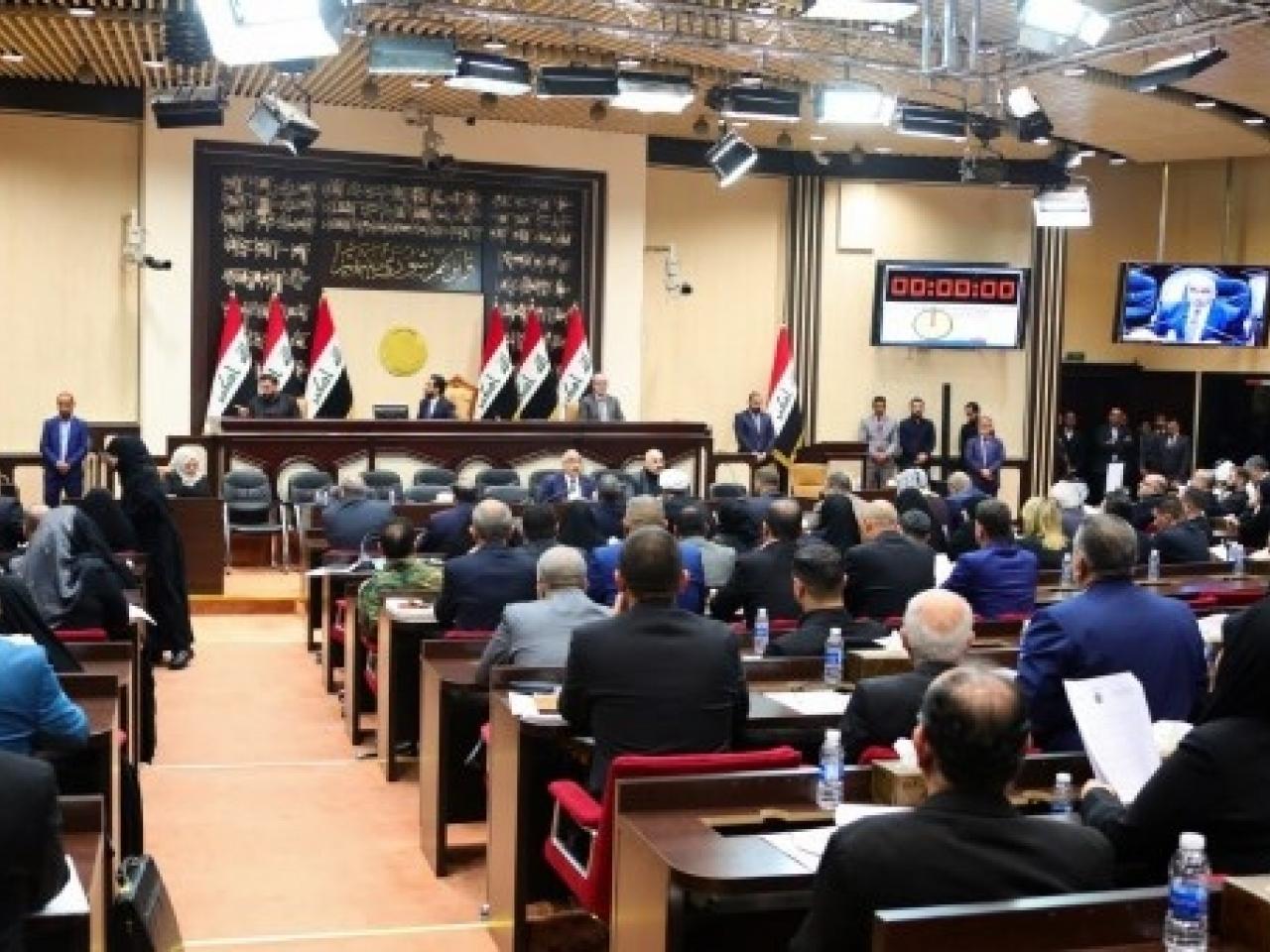 """伊拉克对美军下逐客令 美国忙喊""""失望"""",促三思_决议"""