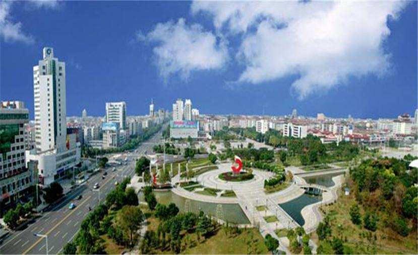 为了减少空气污染,仙桃市推进加油站油气回收治理制度