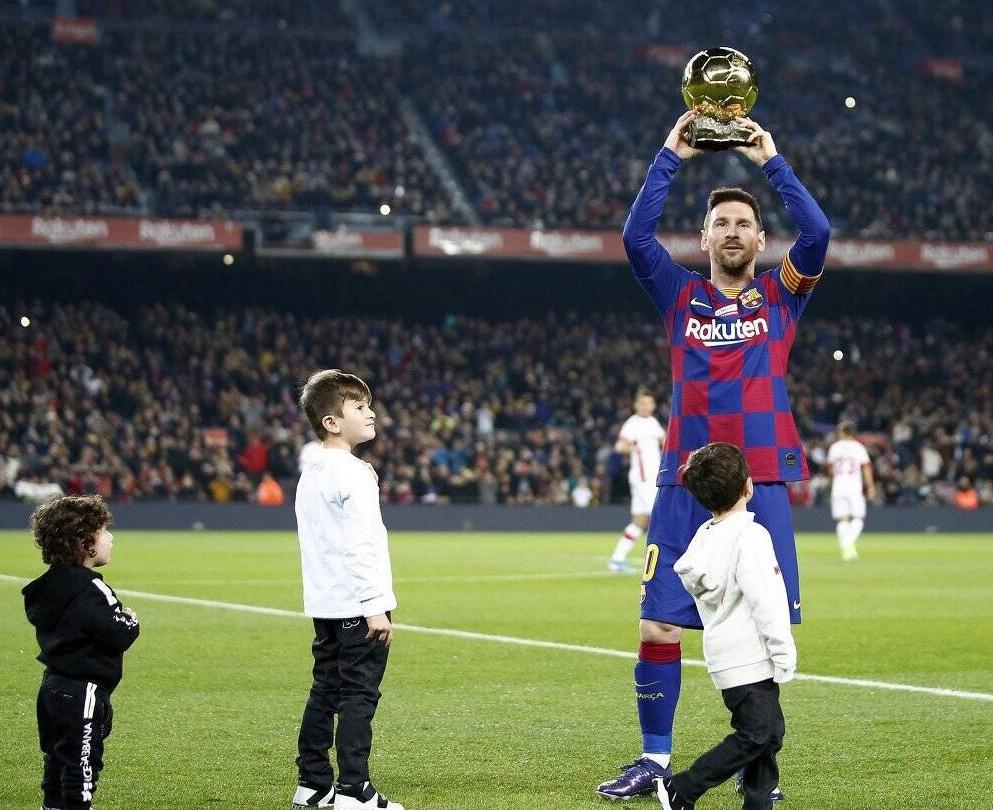 梅西又双叒获最佳,荣膺西甲半程MVP!西班牙人队也获奖了!