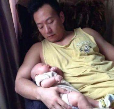 """丁克的他不喜欢孩子,妻子却在40岁怀孕,今45岁沦为""""女儿奴"""""""