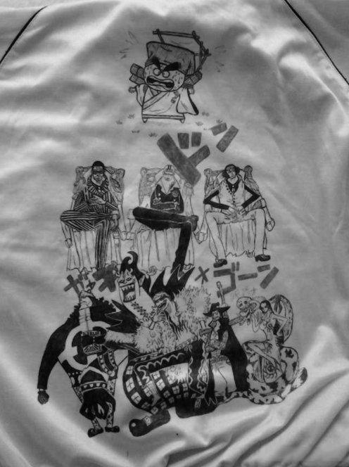 能画在校服上的图案_海贼王:索隆被印在被子上侍寝!平淡校服在海迷改装下焕发 ...