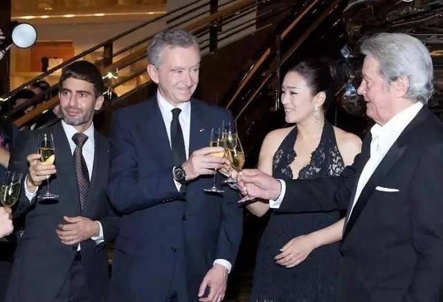 转载:世界第一奢侈品公司:旗下品牌超70个,老板身价去年爆涨2700多亿