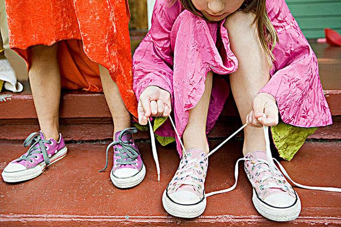 13岁男孩穿43码鞋!脚大的孩子都能长大高个,真的是这样吗?