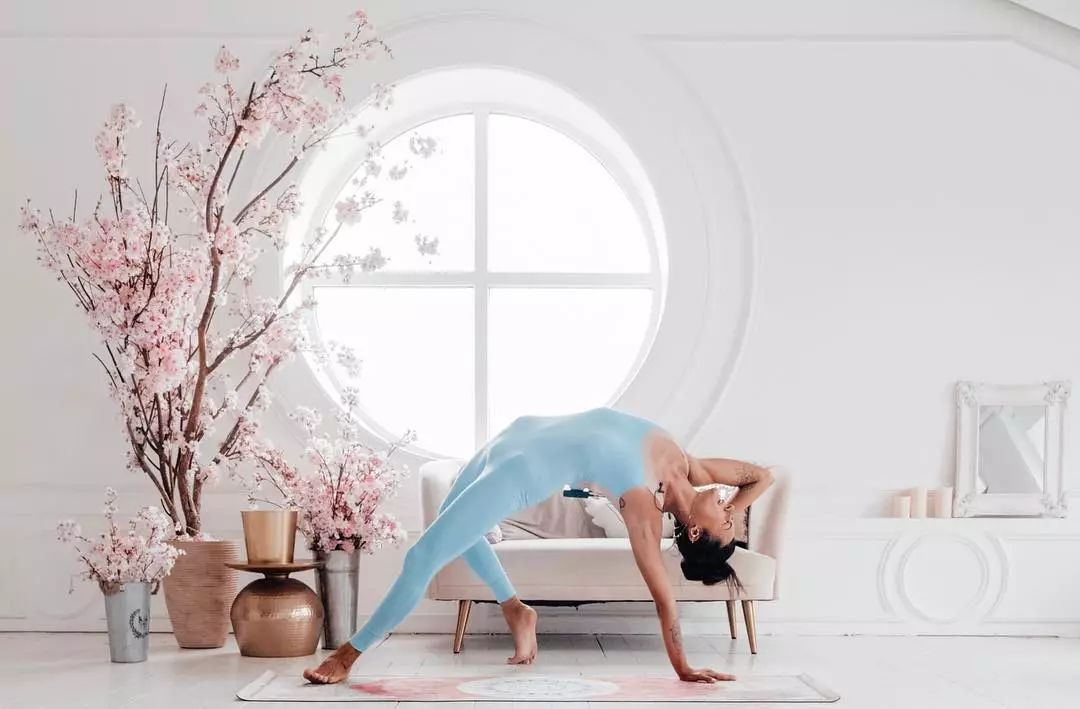 【精彩】这套开肩瑜伽序列每天练,肩部自然就打开了……