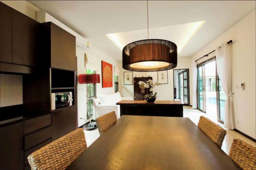 打开枪!普吉岛有3间卧室、3间浴室和450套公寓。是泰国巴厘岛新上市的豪华新别墅!