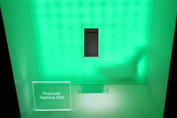 <b>希捷发布酷玩游戏和酷鱼外置SSD:速度最高2GB/s</b>