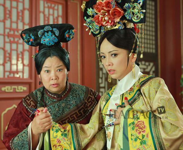 新还珠格格搜狐版_TVB花旦邓萃雯和李明启罕见同框,两人曾同演《还珠格格》_容嬷嬷