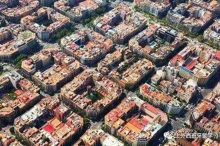 易烊千玺眼中的巴塞罗那:异域风情,浓郁、热烈