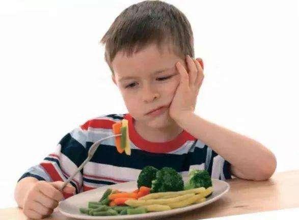 宝宝儿推 孩子挑食厌食 小儿推拿让孩子自己吃饭