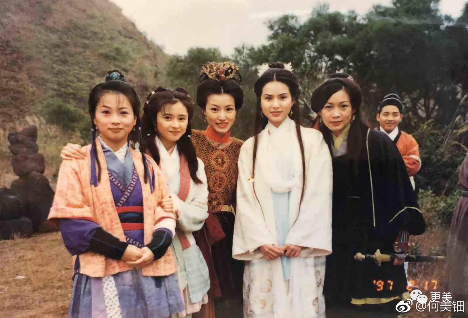 0黑点比赵丽颖还甜,让吴彦祖失控的她,45岁还能美若少女