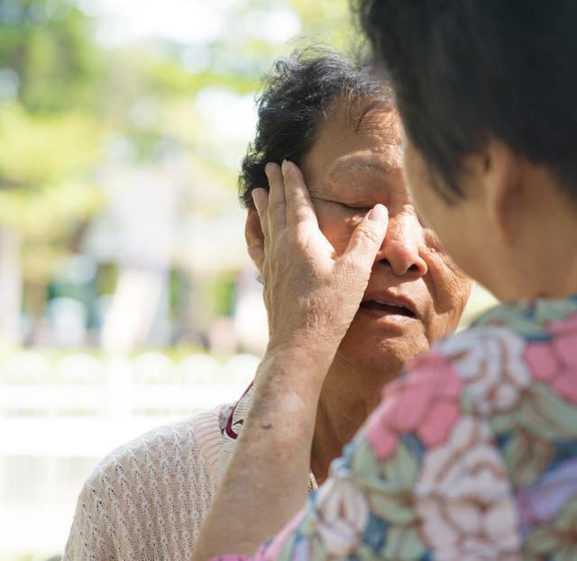 """乐嘉送女儿到少林寺习武:""""挫折教育"""",你做对了吗?"""