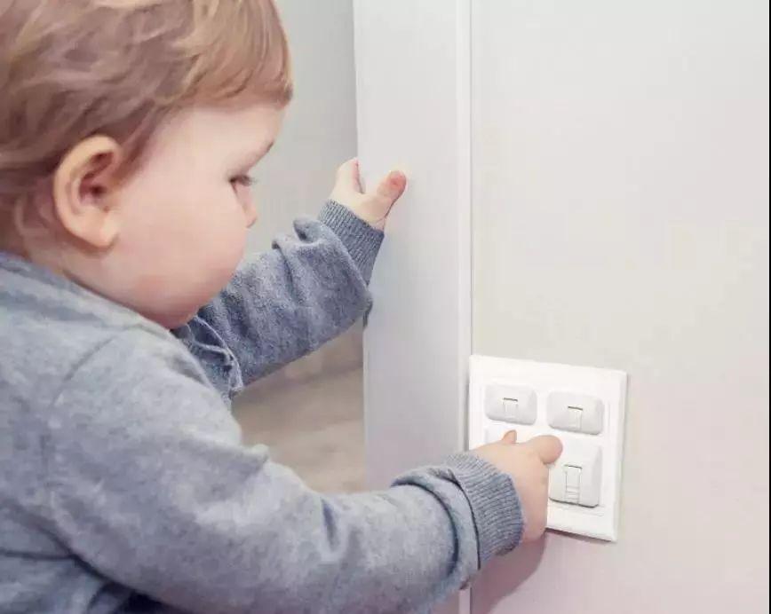 几秒钟孩子可能就没了......30个容易忽视的家居安全隐患,父母必知
