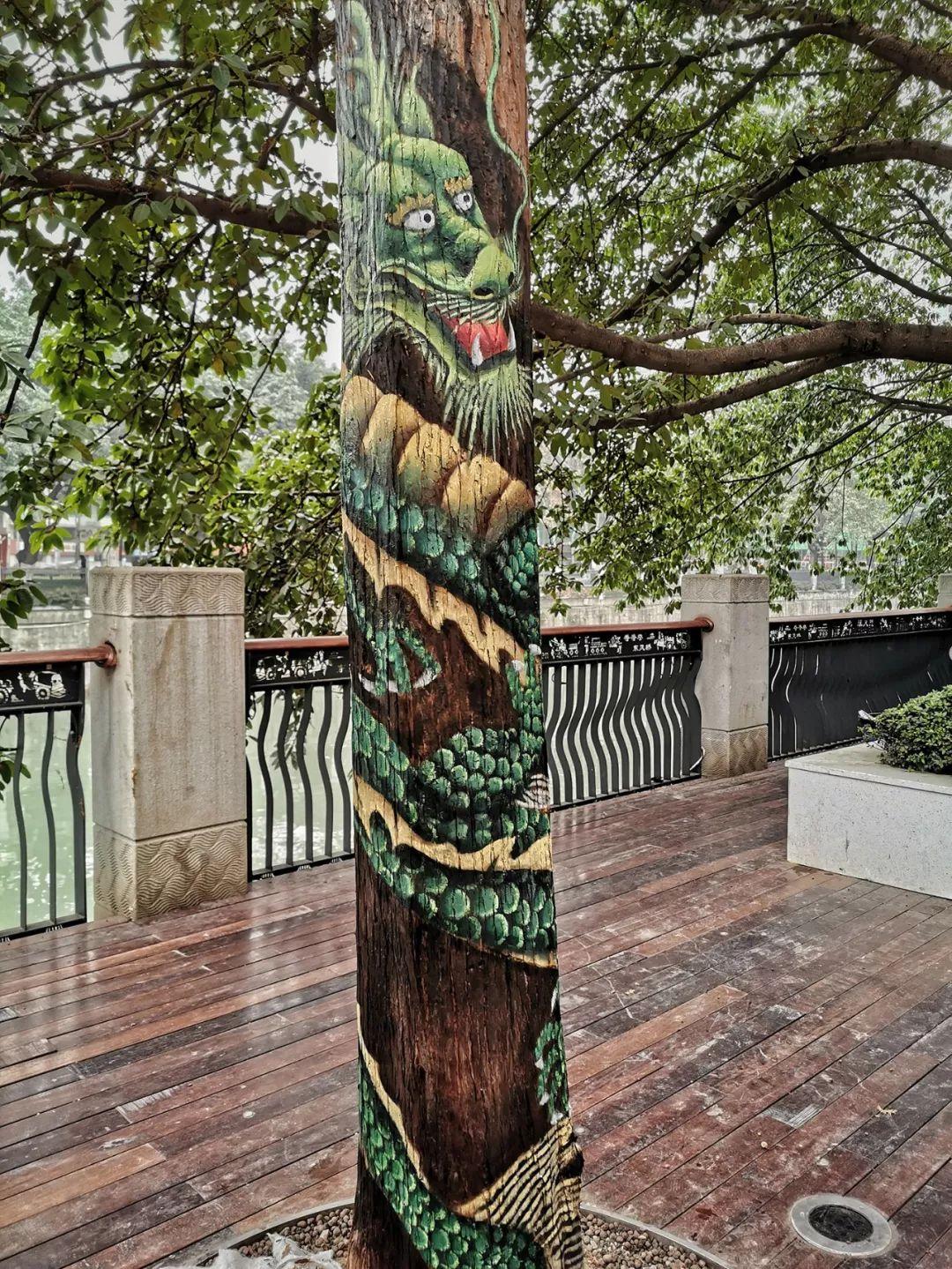 打卡成华丨成华望平街惊现一条树画路图片