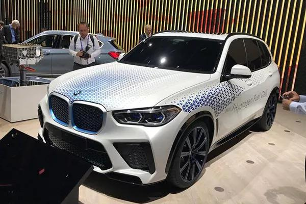 吉利推出新中型SUV,对标汉兰达!