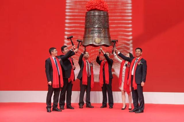 易天股份上市:市值26亿 天马京东方TCL是主要客户