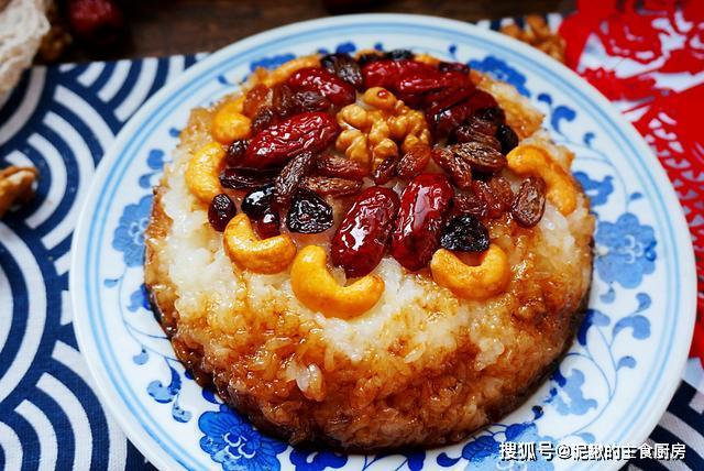 过年餐桌少不了八宝饭,不用提前泡米,软糯可口,每年都被赞
