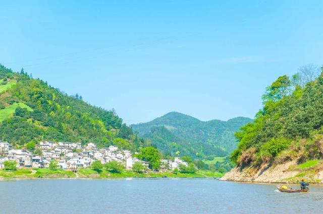 原创             黄山旅行去哪?这里能看到徽州之美的神韵,冬季比水彩画还要仙气