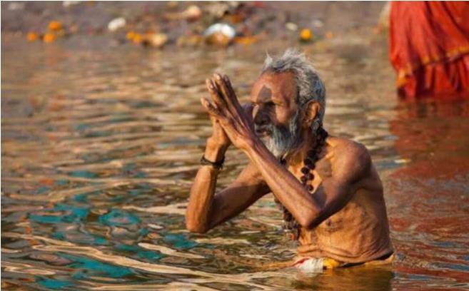 """印度最""""污""""的风景线!游客见了绕道走,当地人却习以为常?"""