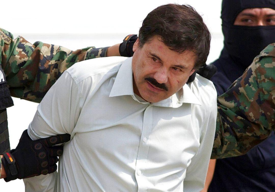 矮子古兹曼,传奇墨西哥毒枭之一,据说谋杀了几千人,但依旧倍受爱戴:一项全国的民意调查显示,28%的人强烈反对他被捕。
