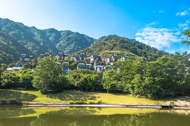 原创             广东旅行该去哪?此景区有童话小镇的风景,赶紧去这里享受慢生活