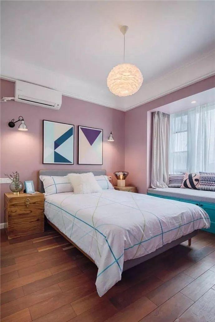 床头柜如许安排,晋升卧室颜值,情味温馨!