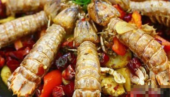 在泰国吃皮皮虾,比国内大了好几倍,网友知道原因后:太可怜了
