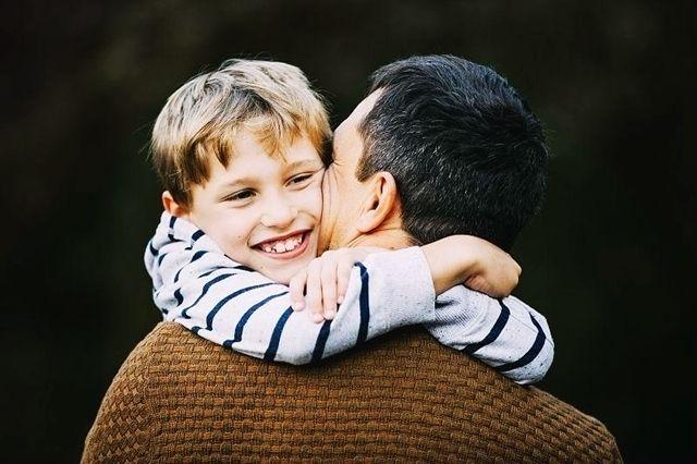 同样是孩子没考好,这位爸爸的做法值得所有家长学习