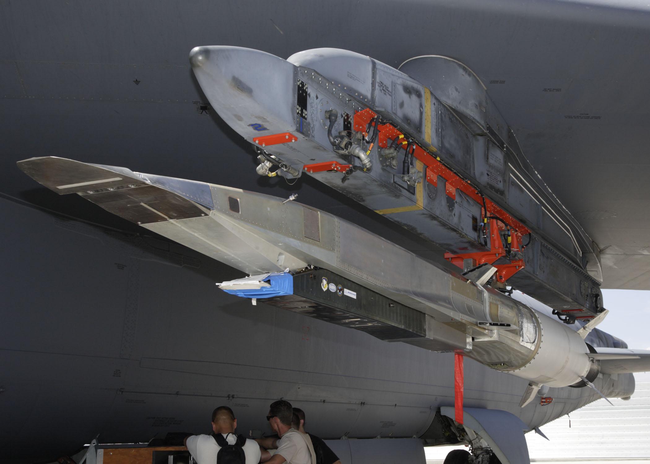 俄專家:未來幾年美國造不出高超音速武器?缺一重要材料